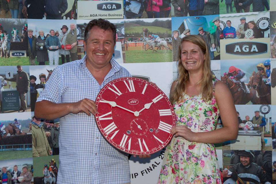 Phine Banks, 3rd in the AGA Championship, receives her AGA Library clock
