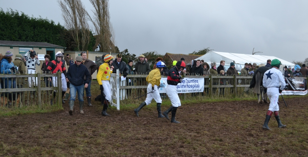 The boys head into the paddock before the mens open