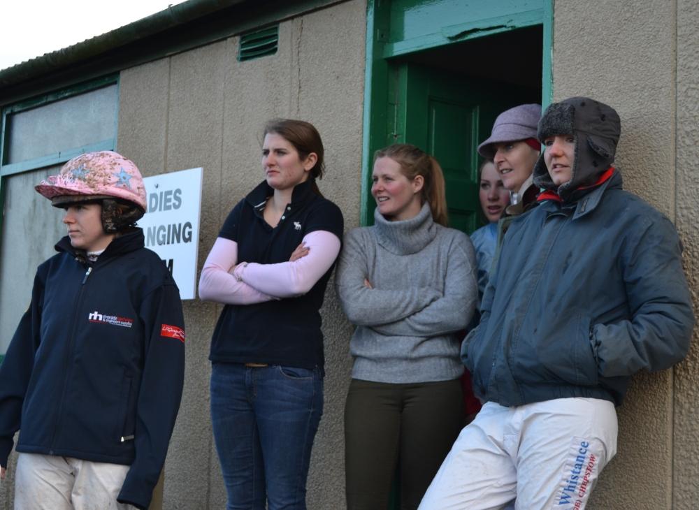 L-R Rachel Leyshon, Gina Andrews, Jane Williams, Annie Dalton, Judith Healey & Hannah Lewis watch the Mens Open