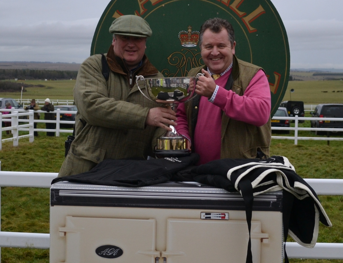 David Simpson (AGA) presents Paul Nicholls with the Woolwich Perpetual Challenge Cup