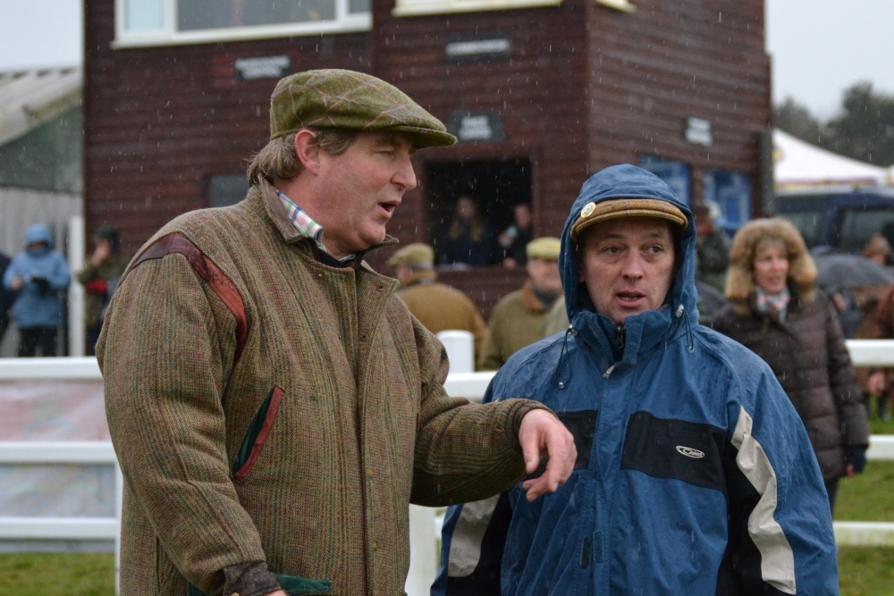 Jeremy Barber and Mike Smith chat in the paddock