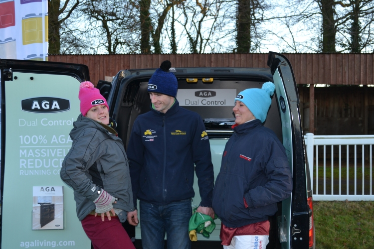 Ladies champ Jacqueline Coward, mens champ Will Biddick & Hannah Lewis all have a new hat