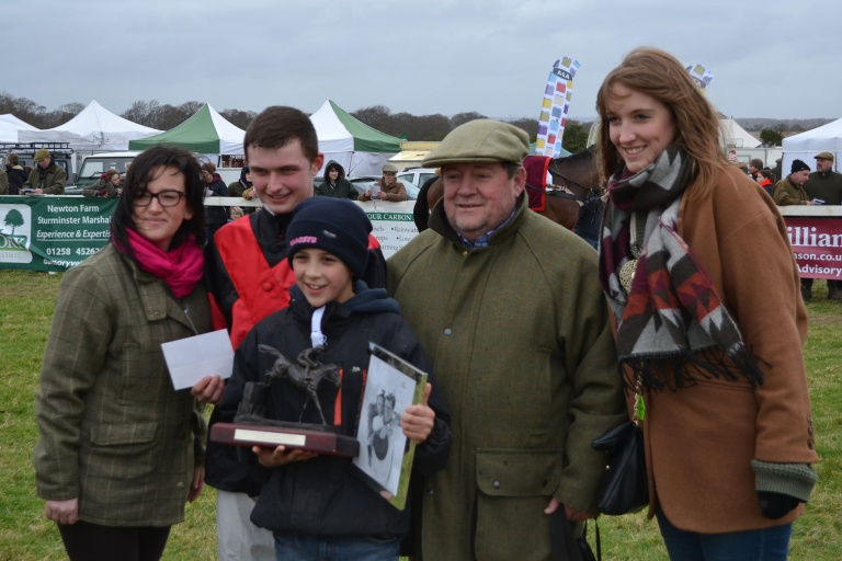Sean Bowen and trainer David Brace receive mementoes following the CA Club Members (Nov Rdrs)