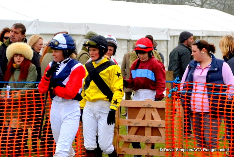 Jessica Gillam leads the girls into the paddock for the AGA Ladies Open race