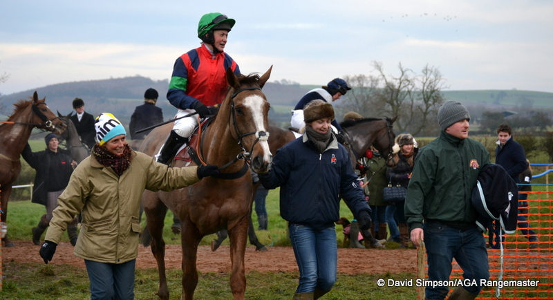 L-R: Kristy Kettlewell and Lucy Kerr lead in Catherine Walton and Ockey De Neulliac, with owner/trainer Neil Mechie