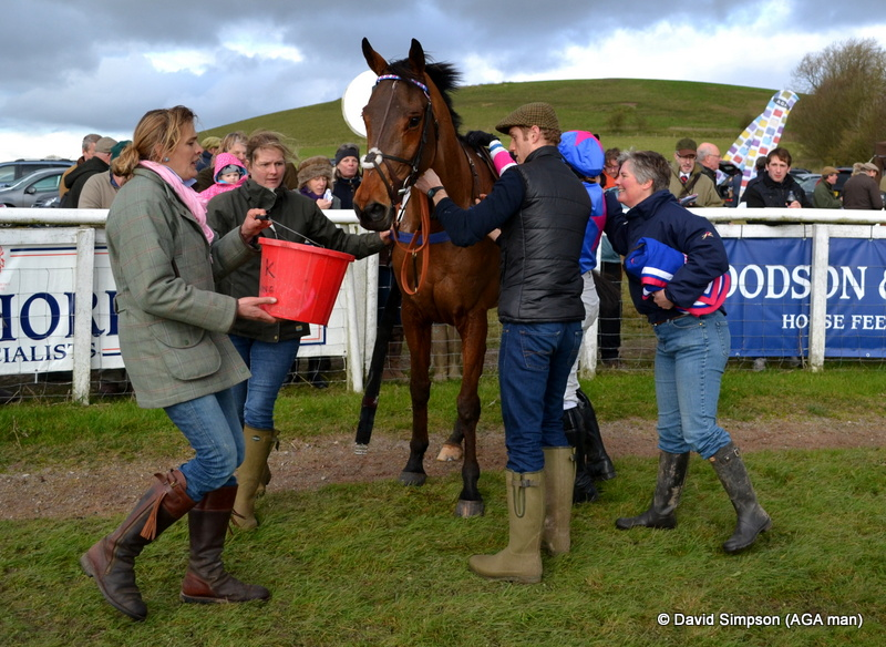 The opening race on the card has been won by team Dawson/Collins/Evans and Watson for the second week running, and Minella For Party has qualified for the Connolly's Red Mills final at Cheltenham next May!