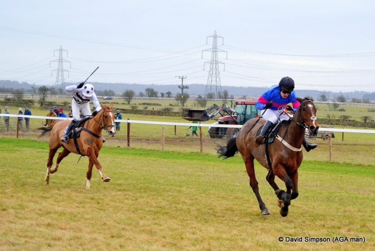 Novice rider, John Smith-Maxwell powers home on Jetnova to win the AGA sponsored PPORA Club Members race