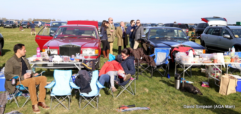 Another Roller has turned up, this really is how you picnic in style at a point-to-point meeting!