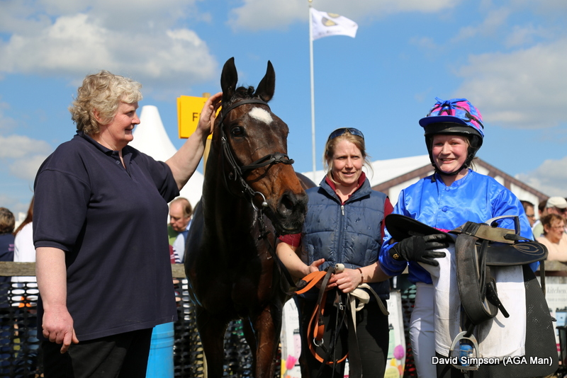 Abs Banks took the ladies open on Hall Kelly, beating her sister, Phine