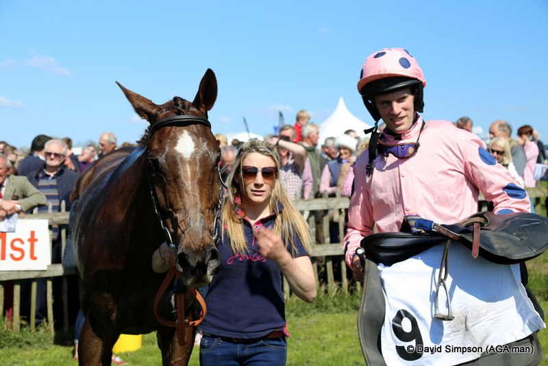 Thoonavolla & Tom Weston, winners of the Hunt Members