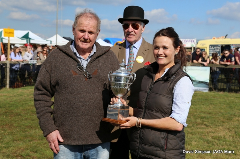 Ripper Rippon was on trophy duty (a favour for the AGA man)